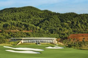 Ba Na Hills Golf Course Hole 18 Green with Clubhouse