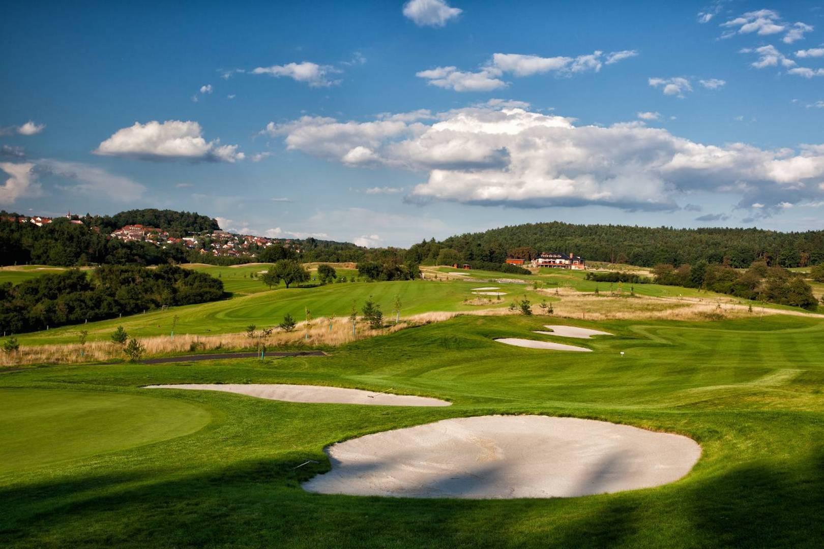 Pacific Links International Partners with London Golf Club