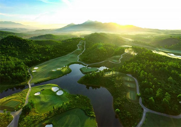 Viet Nam Golf Coast, amazing golf courses, Vietnam economy, Vietnamnet bridge, English news about Vietnam, Vietnam news, news about Vietnam, English news, Vietnamnet news, latest news on Vietnam, Vietnam