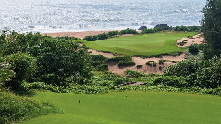 Shanqin Bay Golf Course 8th hole